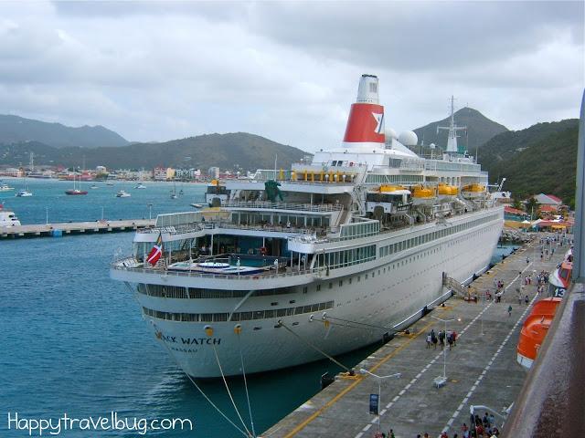 Cruise ship going around the world