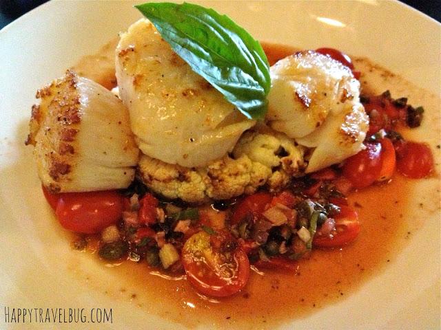 jumbo sea scallops with tomato relish