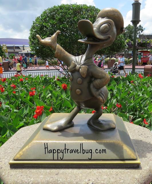 Donald Duck sculpture at Disney World