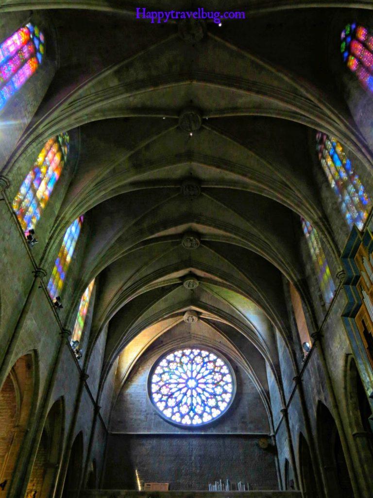 Stained glass windows in The Basilica Santa Maria del Pi