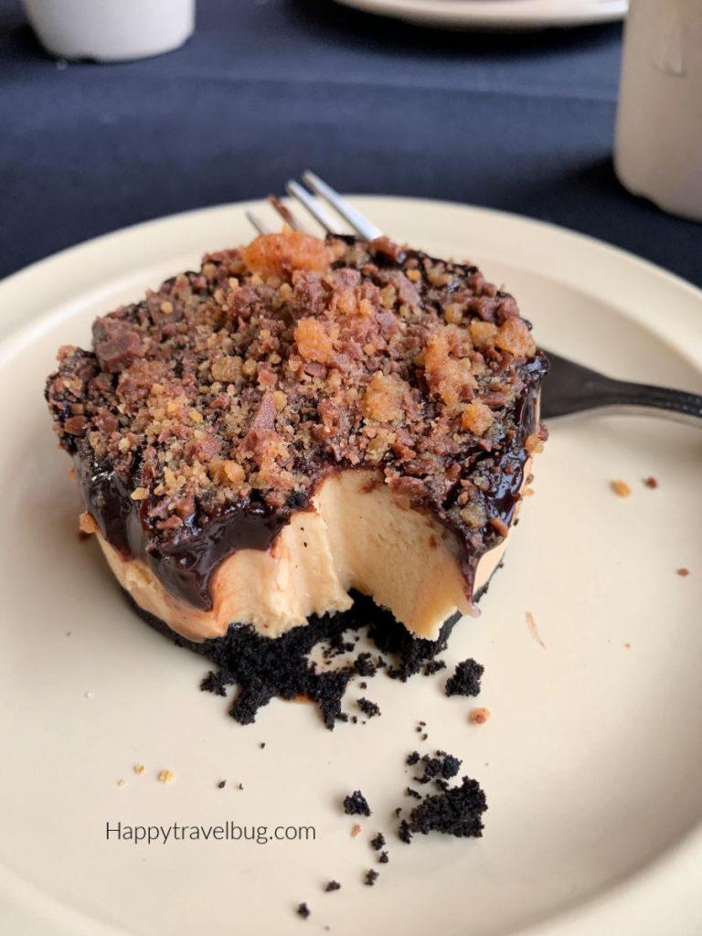 chocolate peanut butter dessert