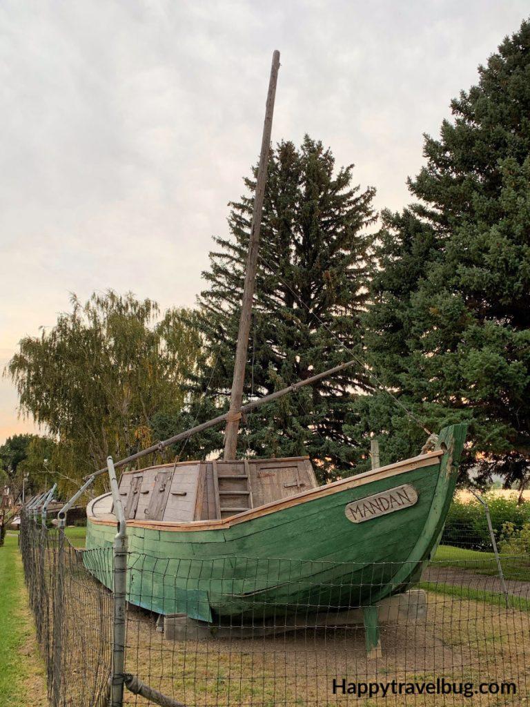 Keelboat called Mandan